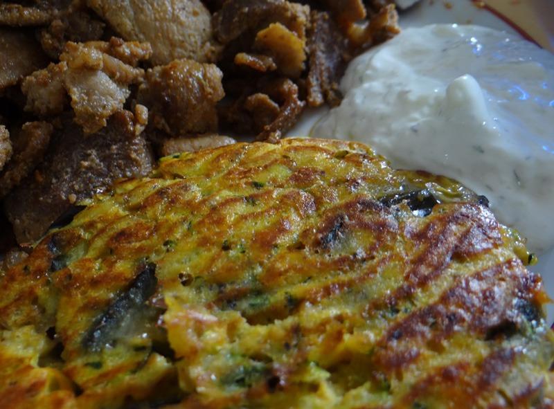 Gyros mit Tsatsiki und Gemüse Taler