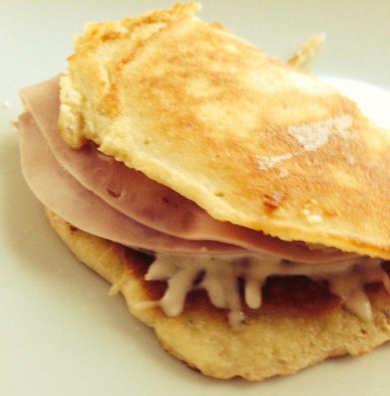 Low-Carb Wrap mit Käse und Schinken