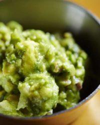 Rezept für Putenbrustschnitzel mit Brokkolipürree