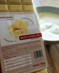weisse proteinschokolade in sahnejoghurt Vorbereitung