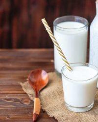 Rezept für Ananas-Eiweiß Shake mit Buttermilch