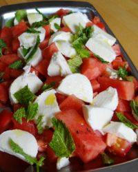 Frische Brise Salat Mozza mit Melone und Minze Low-Carb Salat