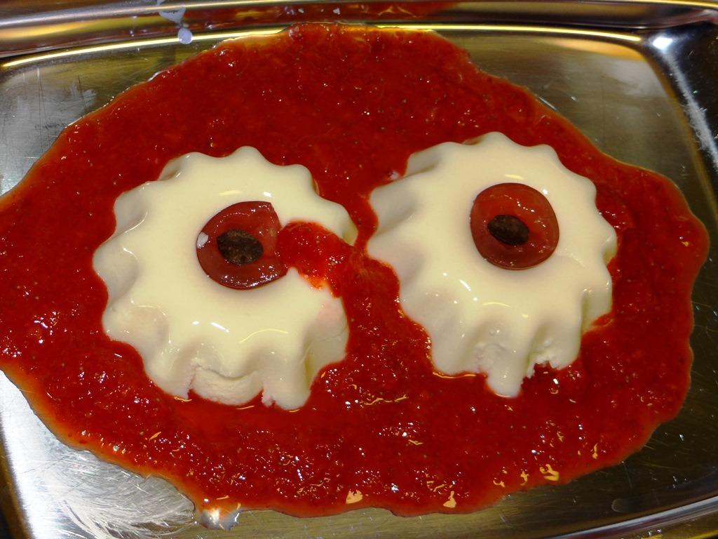 Gruseliges Rezept für blutige Augen zu Halloween