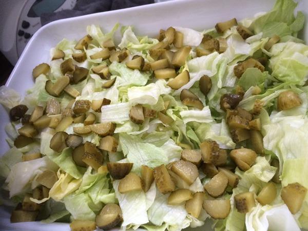 Zubereitung des Low-Carb Big Mäggg Salats