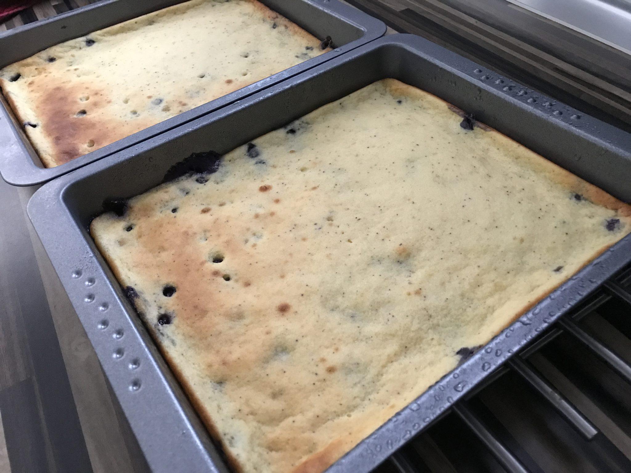 Leckere Low-Carb Ofenpfannkuchen mit Heidelbeeren