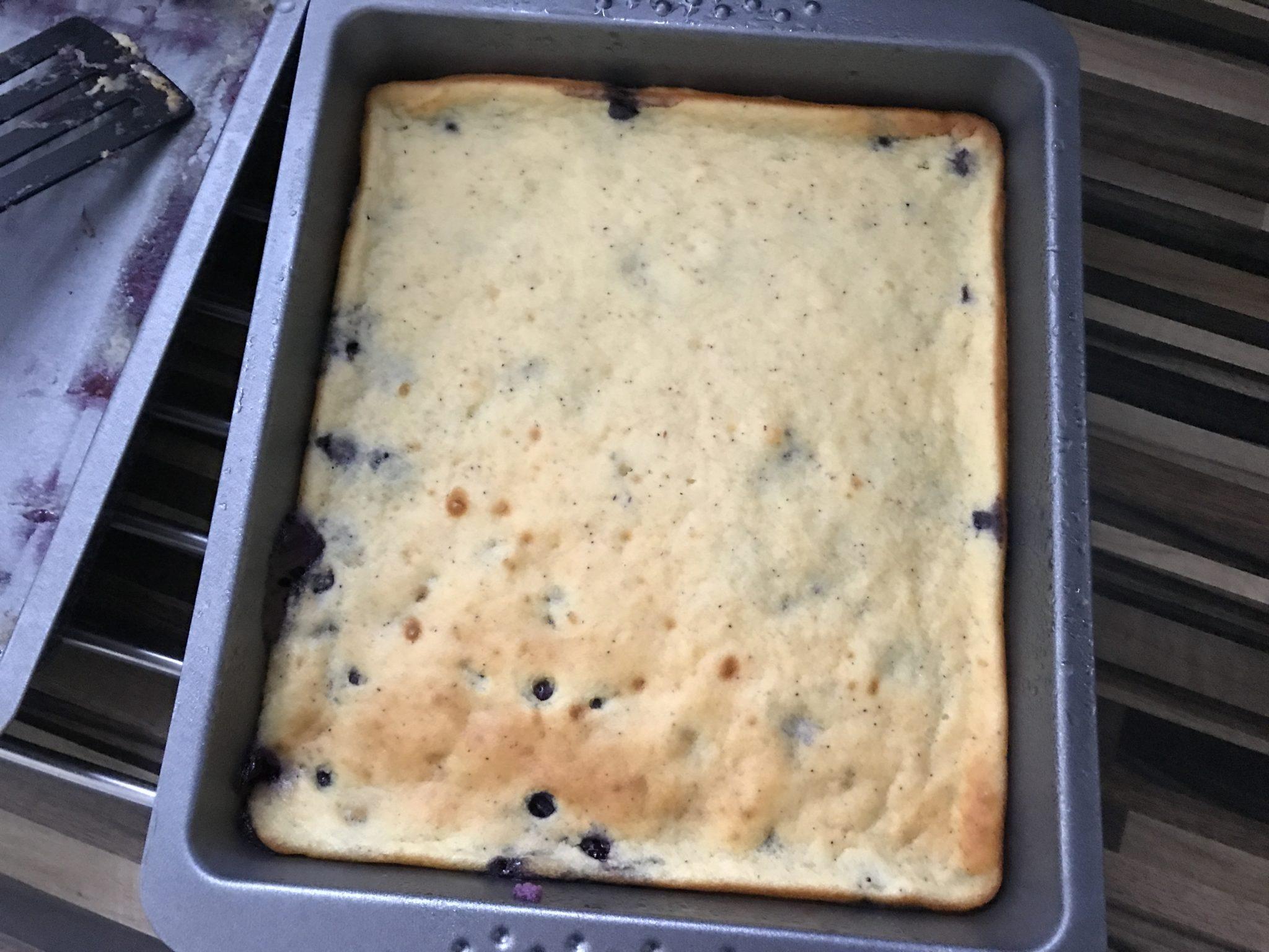 Low Carb Pfannkuchen mit Heidelbeeren aus dem Ofen
