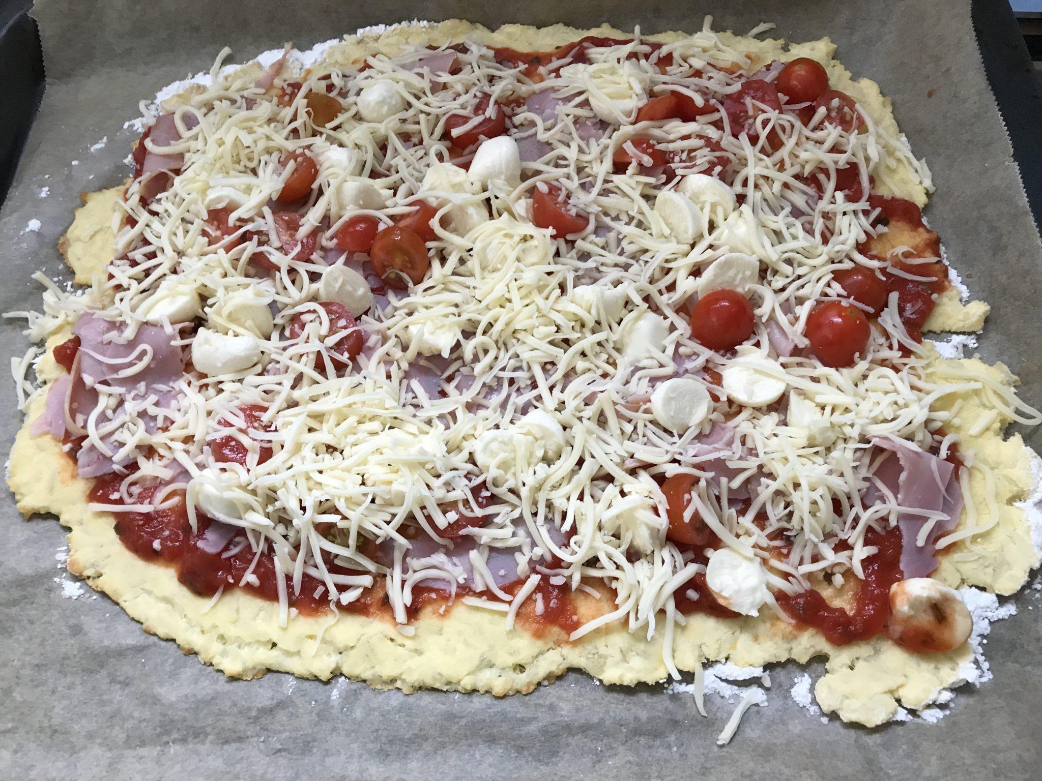 Vorbereitung Ketogene Pizza mit Bambusfasern