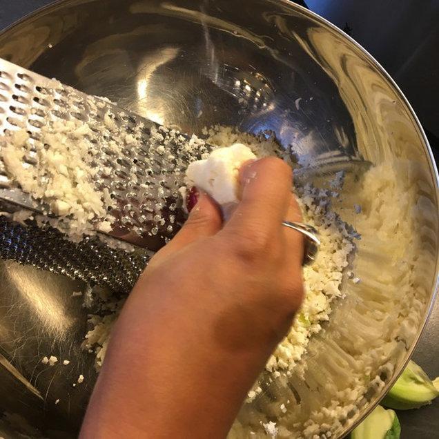 Zubereitung Toastis Low Carb mit Blumenkohl