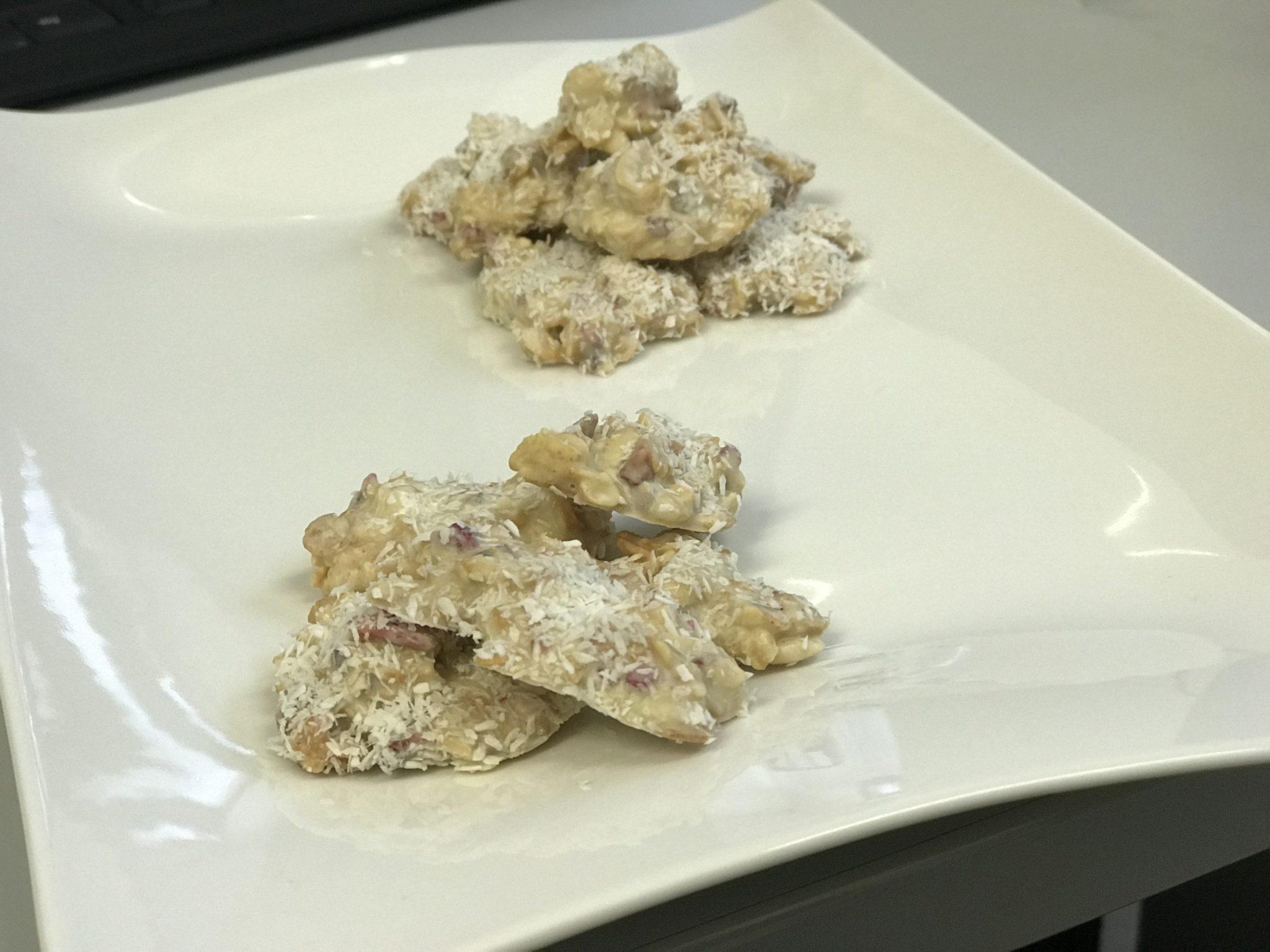 Rezept für Low-Carb Schoko-Crossies mit weißer Schokolade