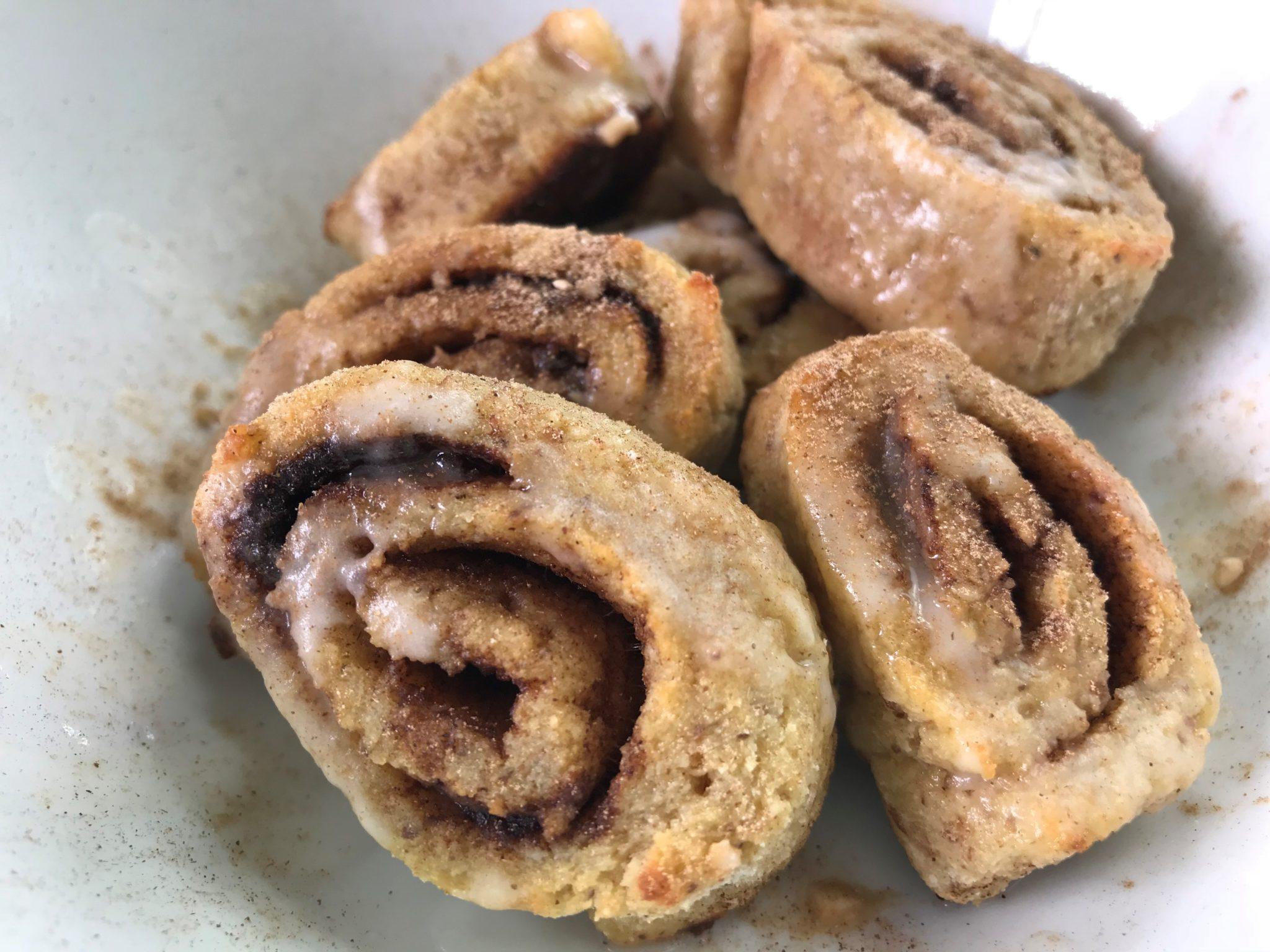 Glasierte Zimt Schnecken Cinnamon Rolls