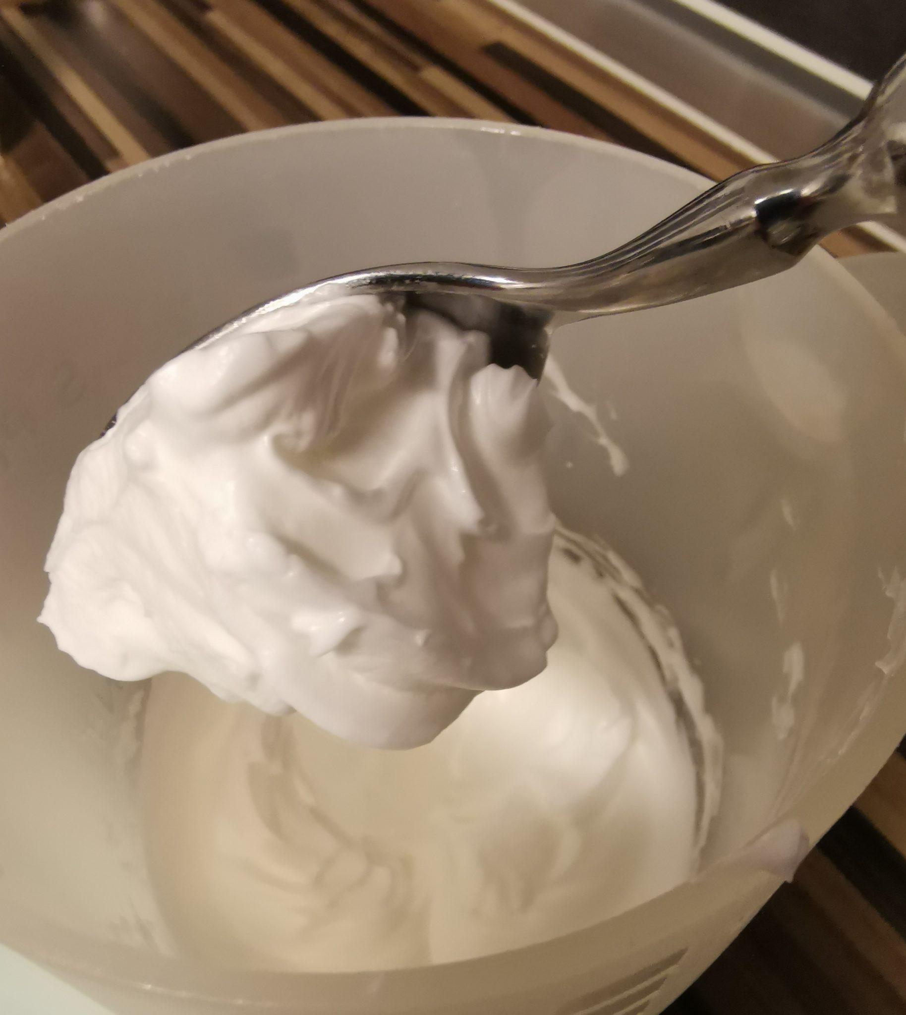 Zubereitung Low-Carb Protein-Fluff Dessert