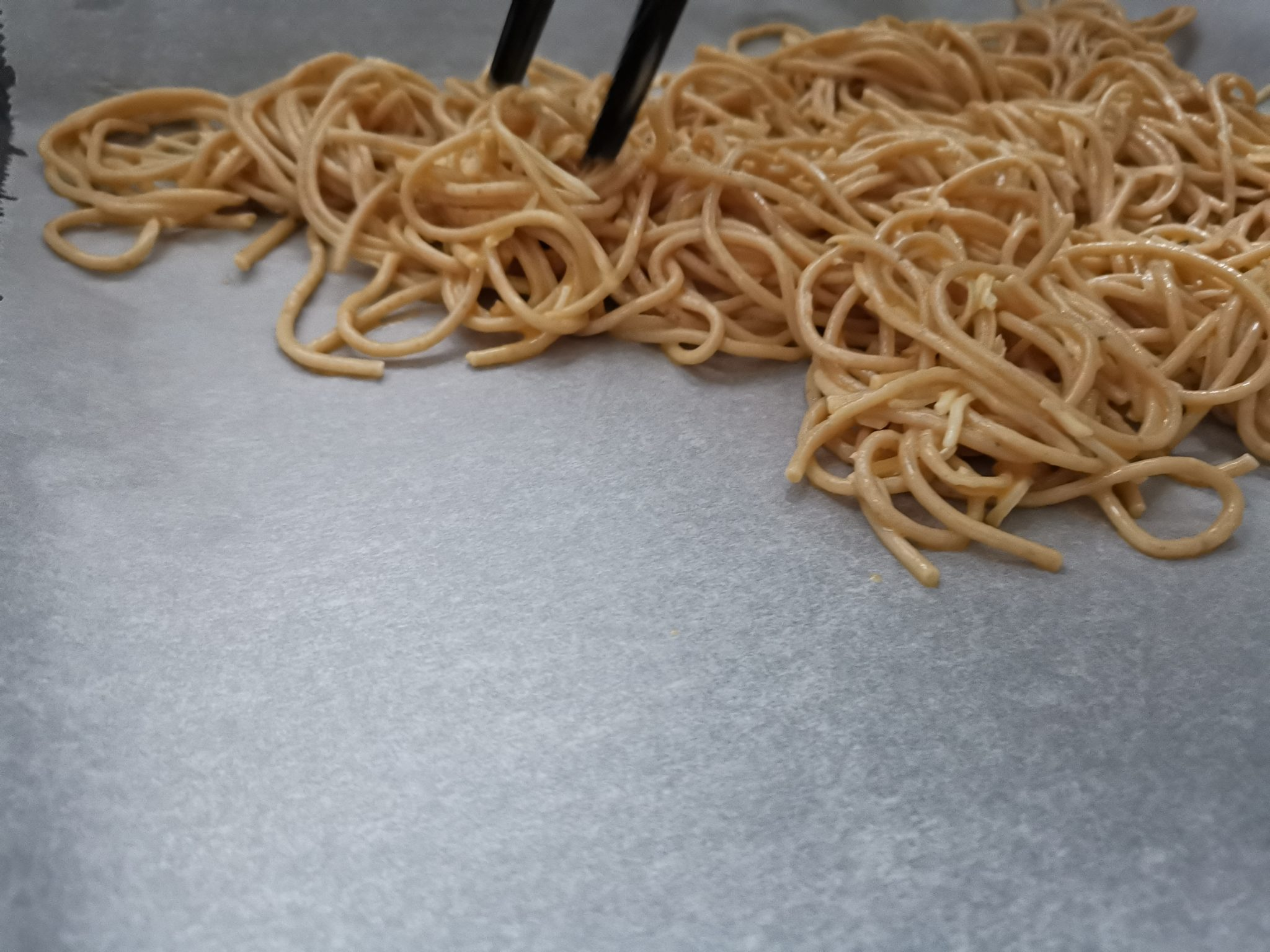 Spaghetti Omelett Rolle vorbereitung