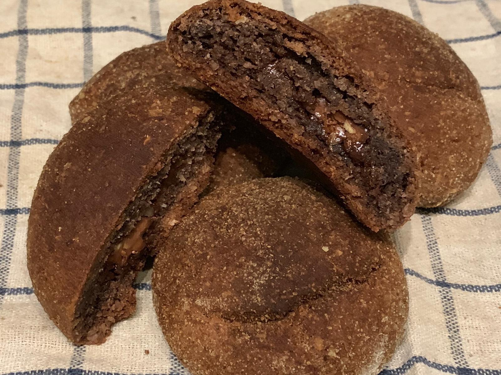 Kokos Schoko Brötchen mit flüssigen Schoko Kern
