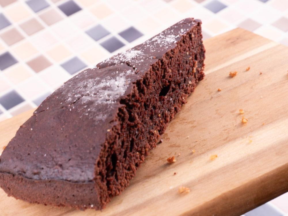 Veganer Schokokuchen mit weniger Kohlenhydraten ohne Mehl