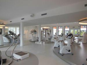 Fitnesstraining für Anfänger mit oder ohne Trainingsgeräte?