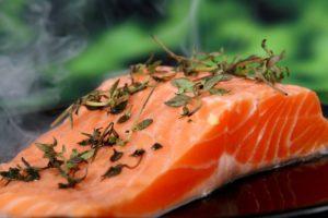 Warum gehört Lachs zu den wichtigsten Lebensmitteln im Bodybuilding?