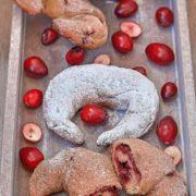 Rezept für Protein Hörnchen mit Himbeer Füllung