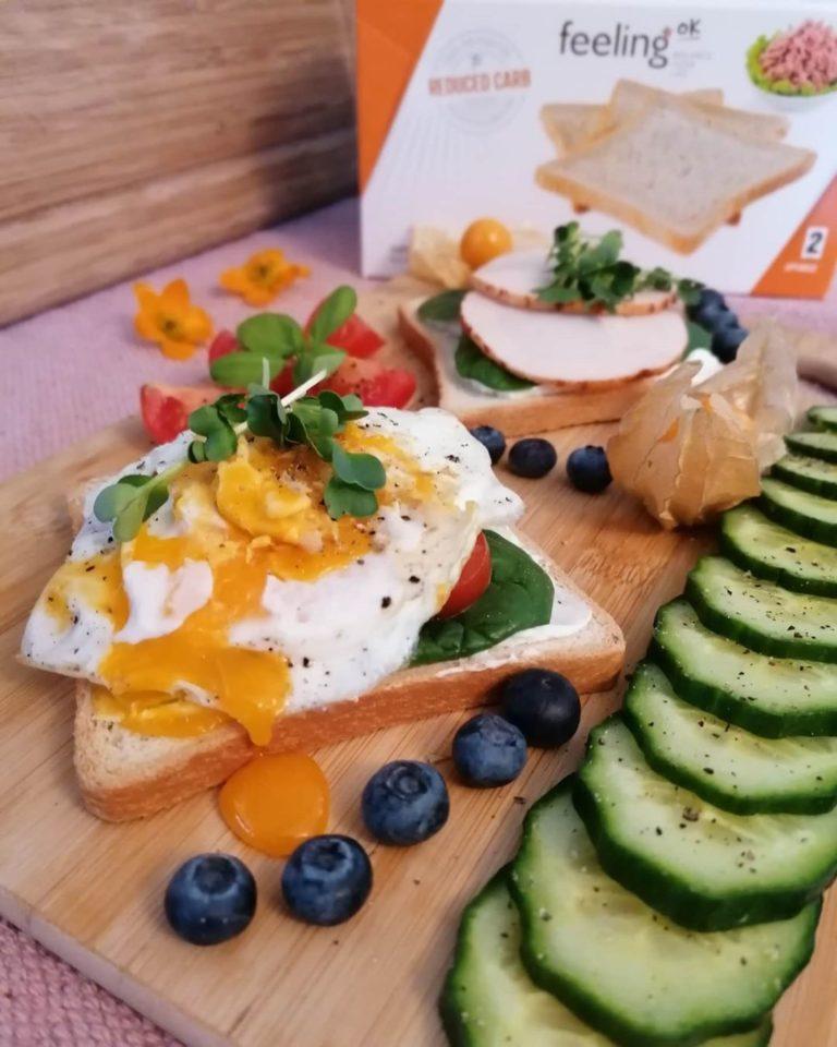 Hähnchen auf FeelingOK Toast mit Ei zubereiten