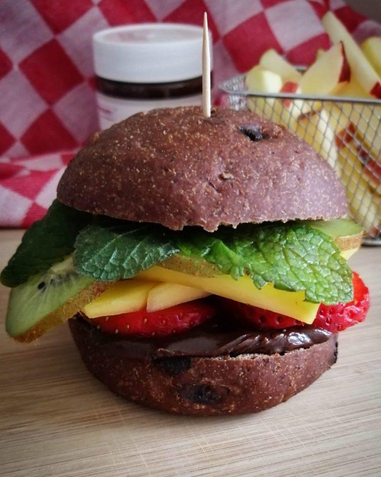 Zubereitung Süßer Burger mit Kakao Sandwich Bun