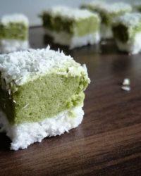 Rezept für Kokos Matcha Marshmellow Schnitten zuckerfrei