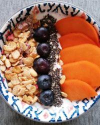 Rezept für Protein Müsli Bowl mit Kaki
