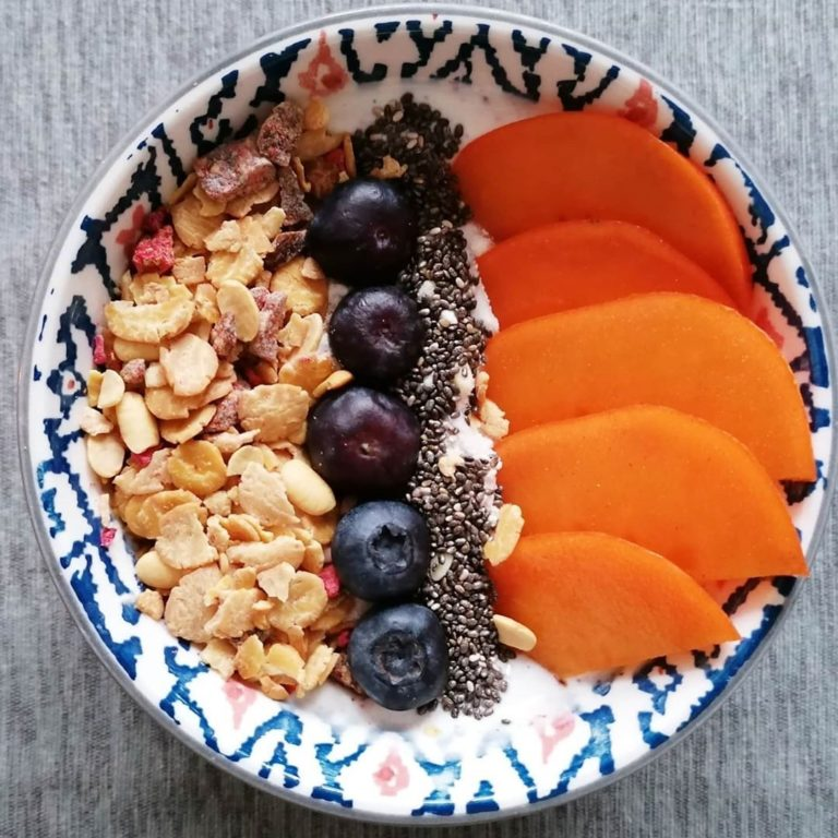 Rezeptbild Protein Müsli Bowl mit Kaki